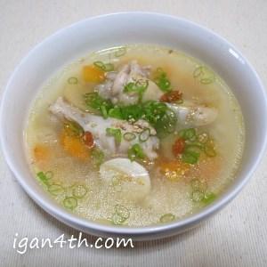鶏がらスープ(サムゲタン風)の完成